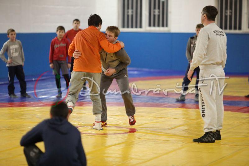 FOTO: Luptătorii de la Heracle au reluat antrenamentele în sala proprie de la Ghiroda