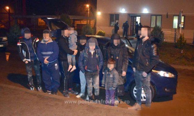 FOTO: Opt cetăţeni din Orientul Mijlociu au fost opriţi la frontiera cu Serbia