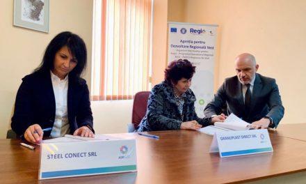 VIDEO: Primele 10 contracte din țară pentru finanțarea microîntreprinderilor au fost semnate la ADR Vest