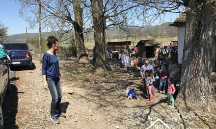 Solidari în fața COVID-19: 4 tone de alimente și produse de igienă la peste 200 de familii din 40 de localitați bănățene