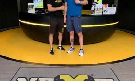 Un alt boxer timişorean face pasul la profesionişti – Se antrenează la sala NextFit din Dumbrăviţa