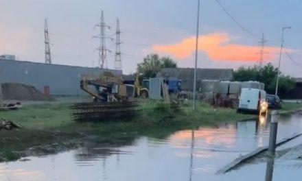 FOTO: Ploaia torențială a făcut prăpăd în Dumbrăvița