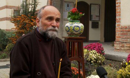 VIDEO: Ce ne spune Părintele Achim Vasile Baboș despre POMENIREA CELOR ADORMIȚI