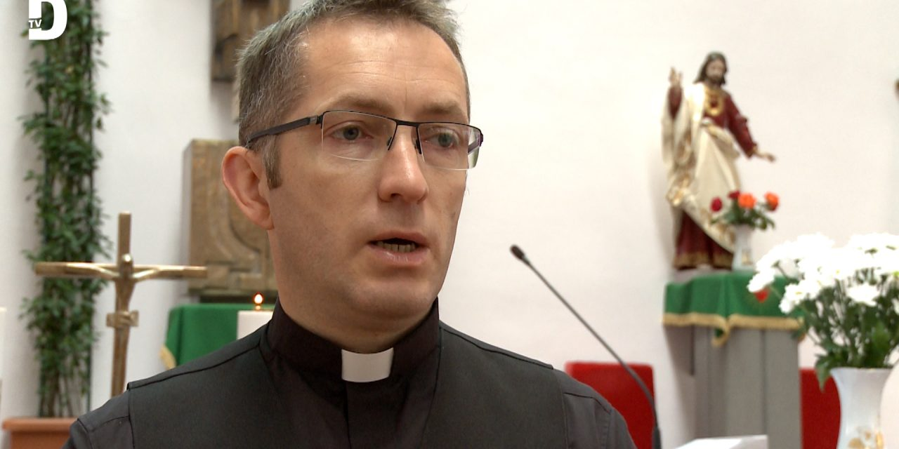 VIDEÓ: Falubúcsúra készülődnek az újszentesi katolikusok!