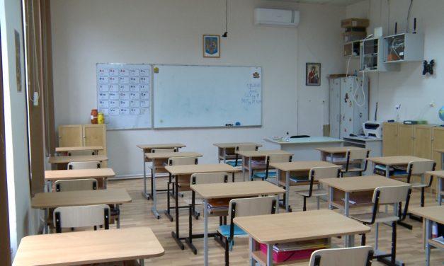 Breaking News/Noile reguli pentru școli, valabile de luni, aprobate prin ordinul comun al miniștrilor Educației și Sănătății