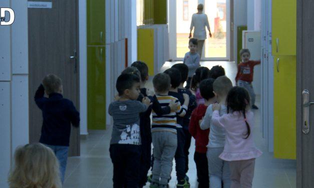 Ce spun cadrele didactice din Dumbravita despre inceperea scolilor in scenariul rosu