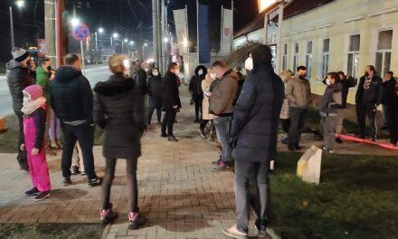 FOTO: Părinții din Dumbrăvița au protestat împotriva carantinării – PETIȚIE ONLINE