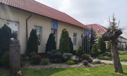 VIDEO: Simulare Evaluare Națională 2021 | Directorul Adrian Nicola ne prezintă rezultatele Școlii Gimnaziale Dumbrăvița