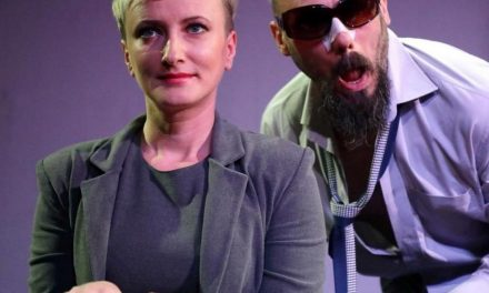 "La Teatrul Național Timișoara revine piesa ""M-am hotarat sa devin prost"""