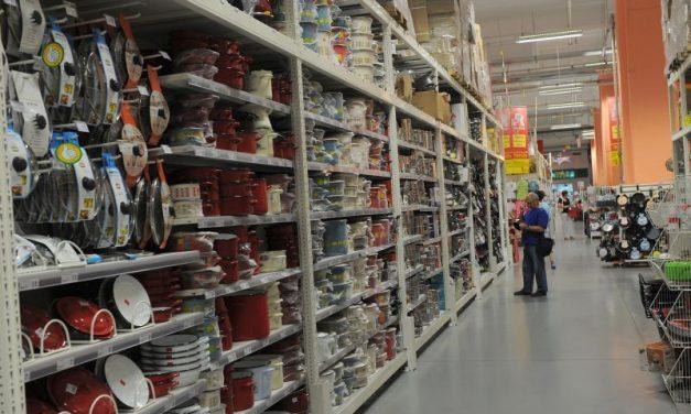 Vânzările de produse nealimentare au depășit nivelul maxim înregistrat înaintea crizei cauzate de COVID-19