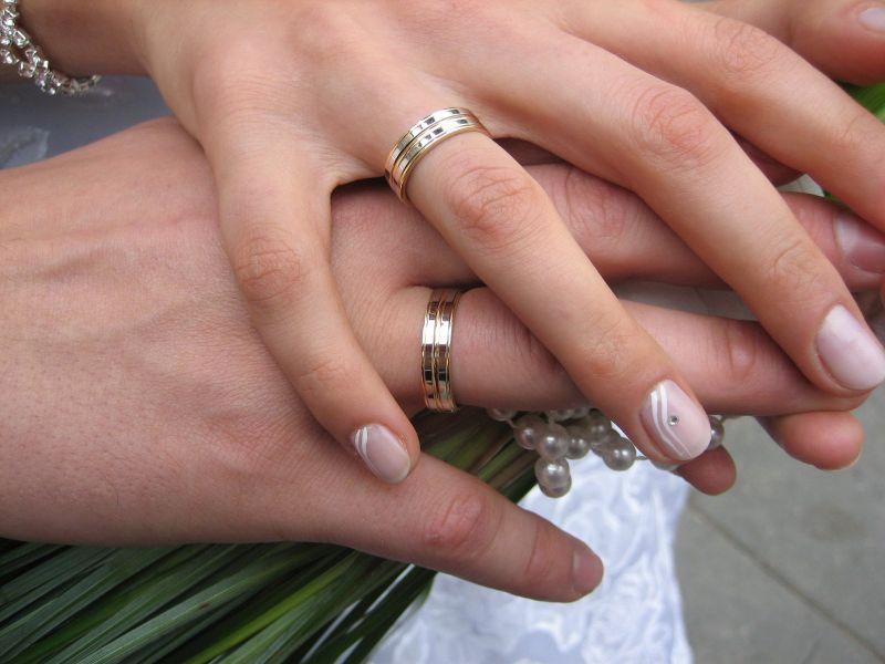 CNSU: Crește numărul de participanți la nunți și botezuri