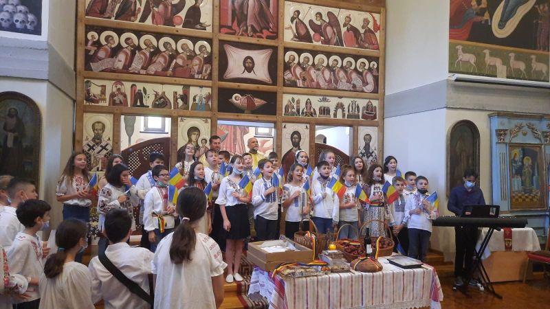 FOTO: Înălţarea Domnului și Ziua Eroilor au fost sărbătorite cu fast la Dumbrăvița