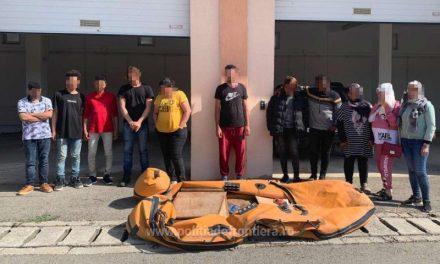 Poliția de Frontieră: 11 migranți au traversat Dunărea cu o barcă pneumatică