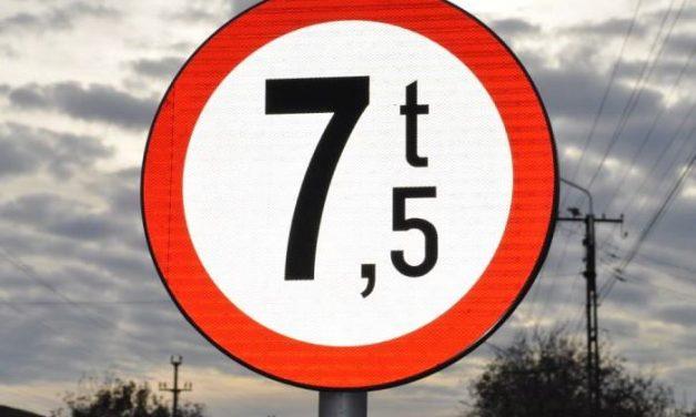 Restricții de circulație pe întreaga rețea rutieră a județului Timiș pentru autovehiculele cu masa totală maximă autorizată mai mare de 7,5 t