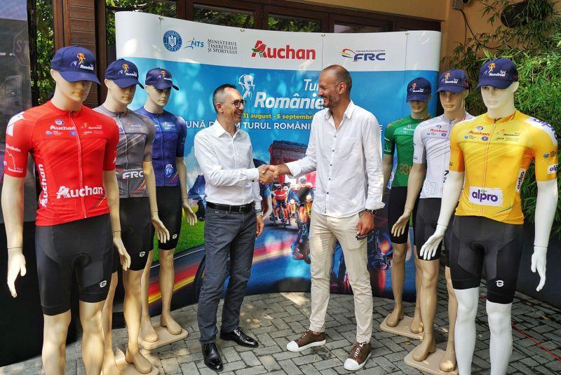 Turului României este pregătită de start! Peste 100 de cicliști din 10 țări vor pedala pe câteva dintre cele mai frumoase drumuri din România